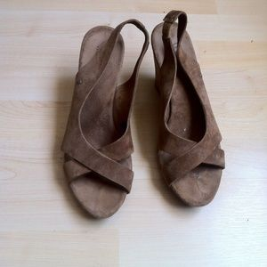 Used Tan Ugg Wedges Size 8